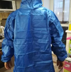 Raincoat. New. Size is universal