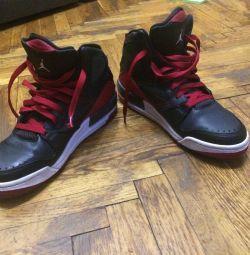 Αντρικά παπούτσια της Ιορδανίας