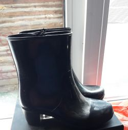 Rubber ankle boots