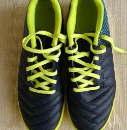 Νέα αθλητικά παπούτσια μεγέθους 35 ποδοσφαίρου Kipsta