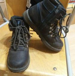 Shoes size 33