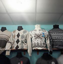 Men's warm sweaters and turtlenecks