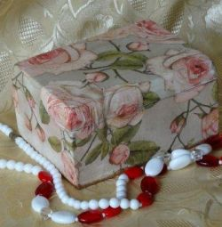 Casket wooden from the Roses series