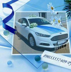 Mașina pentru celebrarea ta este de 500 de ruble pe oră