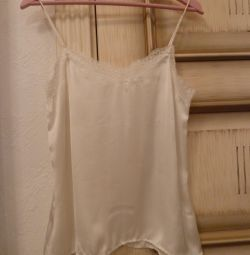 White female top in linen style