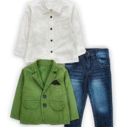 Çocuk için ayarla: kot pantolon, gömlek ve ceket.