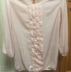 Bluza stilată aproape nouă dimensiune 46-48