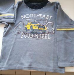 T-shirt για ένα αγόρι 4-5 ετών