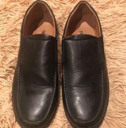 Παπούτσια για ένα αγόρι -38 μέγεθος!