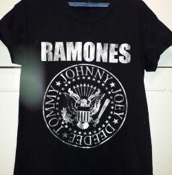Ramones T-shirt (Stradivarius)
