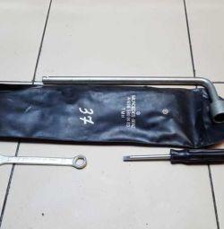 Mercedes-Benz Vito 638 Tool Kit