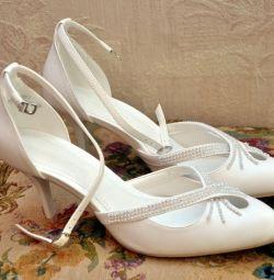 Παπούτσια γάμου. Πώληση.