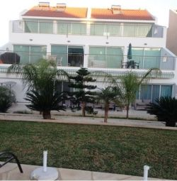 3 bedroom Apartment with walk distance to the beac