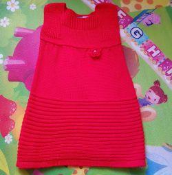 Yeni bir kız için elbise örme