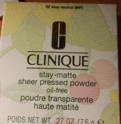 Ματ πούδρα για λιπαρό δέρμα CLINIQUE