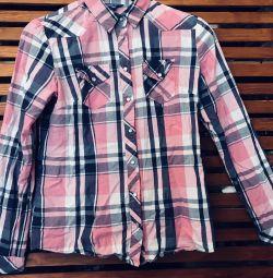 Bright shirt