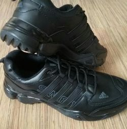 Pantofi Adidas cu dimensiuni 41-46