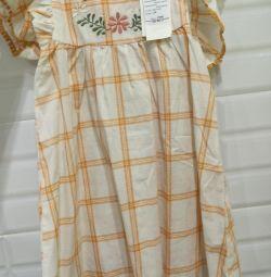 Rochie nouă pe fata de 110 cm