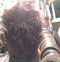 Γυναικεία παλτό από δέρμα προβάτου με φυσική γούνα