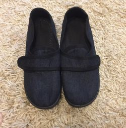 ΝΕΑ γυναικεία παπούτσια για τα πόδια 38r
