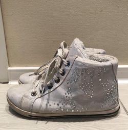 Θερμομονωμένα πάνινα παπούτσια. για την άνοιξη .35 rr