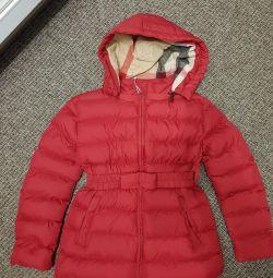 O nouă jachetă pentru o fată la înălțimea de 130-140