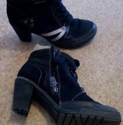 Μπότες φθινόπωρο