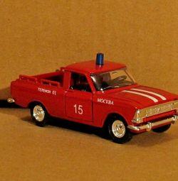 Коллекционная модель советских машин Москвич пикап