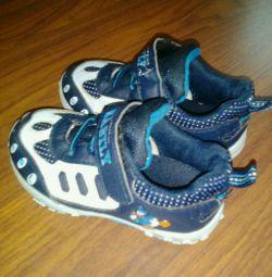Αθλητικά παπούτσια 23 μέγεθος