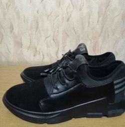 Новые кроссовки Adidas Y3-Riyal.