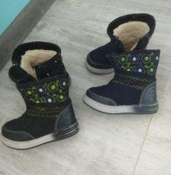 Παιδικές μπότες, μεγέθους 25 και 24