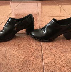 Γυναικεία παπούτσια ΝΕΑ.