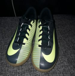 New Nike futzalki original