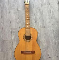 Altı-string retro gitar, 1983