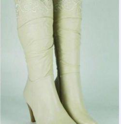 Νέες γυναικείες μπότες, δέρμα, σελ. 40-41