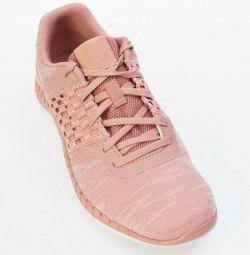 Γυναικεία παπούτσια Reebok