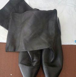 Ελαφριές μπότες από δέρμα
