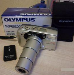 Πωλούν κινηματογραφική κάμερα Olympus superzoom 160