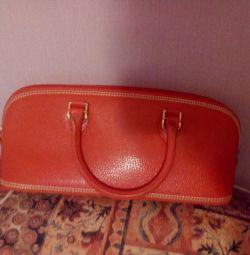 Фирменная кожаная сумка Италия.