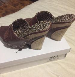 Clogs, shoes Market Shoes