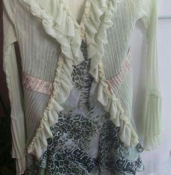 Costum (fustă și bluză)