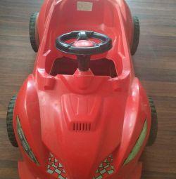 Mașină pedală