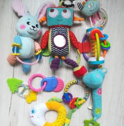 Toys package from 0-3 months for a newborn