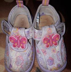 Καλοκαιρινά παπούτσια για κορίτσια