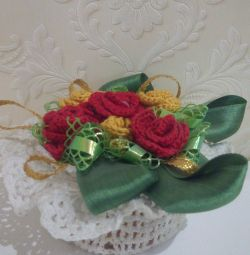 Souvenir knitted basket with flowers