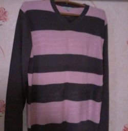 Sell two new women's sweaters!