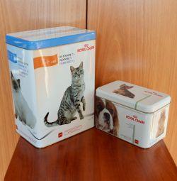 Металлический контейнер для корма