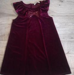 Новое платье. Англия