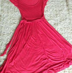 Платье трикотажное красивое