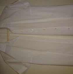 Η λευκή μπλούζα είναι άγρια